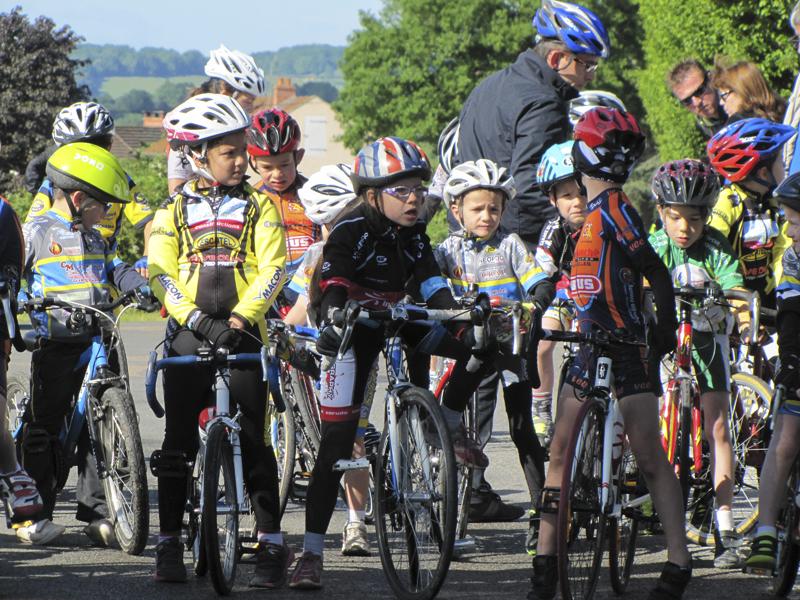 2014-05-24-championnat-de-bourgogne-etang-sur-arroux-poussins1