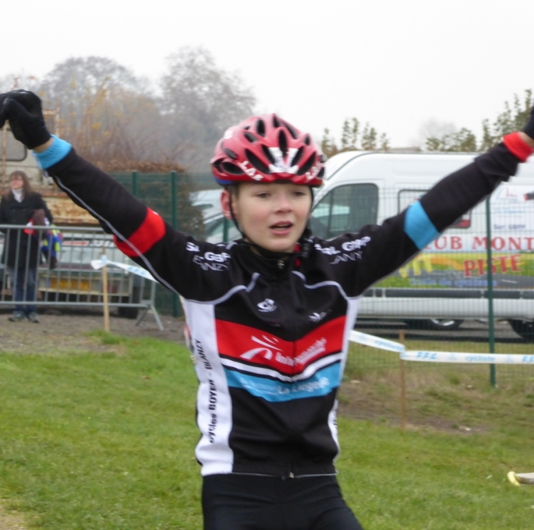 Victoire d'Alexis Demortière au Cyclo-Cross de Mercurey le 30 novembre 2014 en catégorie Benjamin