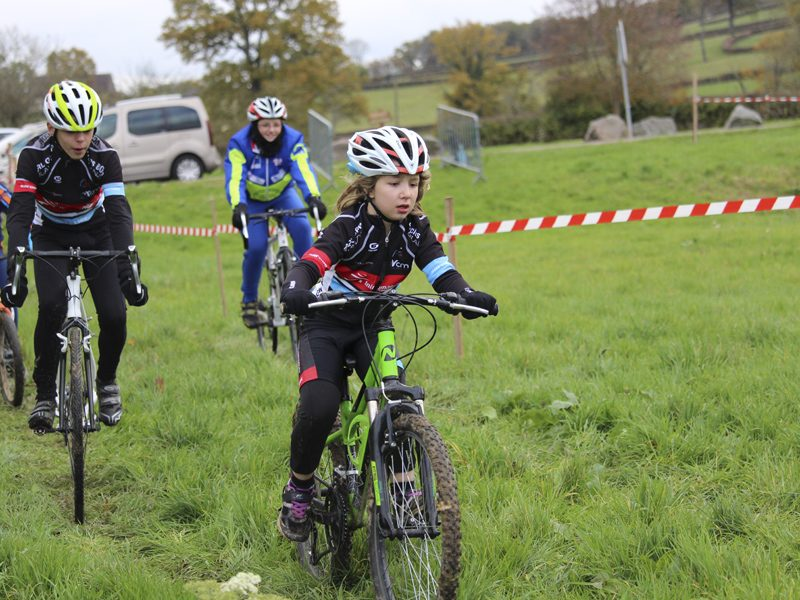 2016-11-11-cyclo-cross-st-julien-de-civry-1